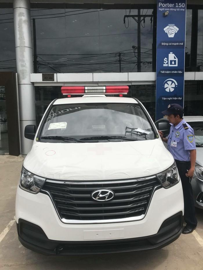 Xe Hyundai H1 Cứu Thương