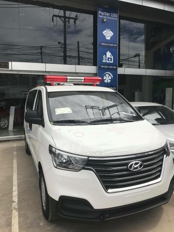 Xe Hyundai H1 Cứu Thương 3