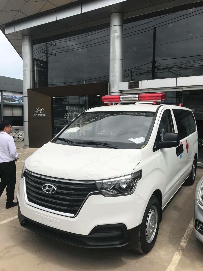 Xe Hyundai H1 Cứu Thương 2