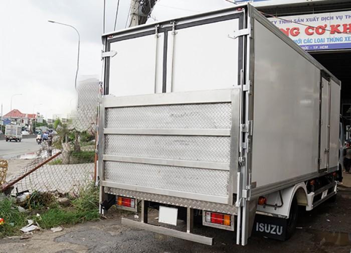 Xe tải isuzu 3.5 tấn thùng kín inox có bửng nâng, trả trước 100 triệu, giao xe ngay - Gọi 0978015468 (Mr Giang 24/24)