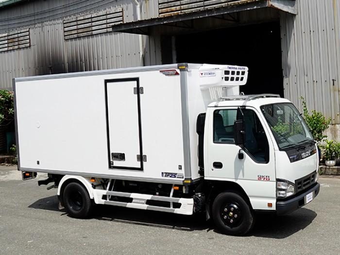 Khuyến mãi mua xe tải isuzu 1t9 thùng đông lạnh - Trả trước 100 triệu giao xe luôn - Gọi 0978015468 (Mr Giang 24/24)