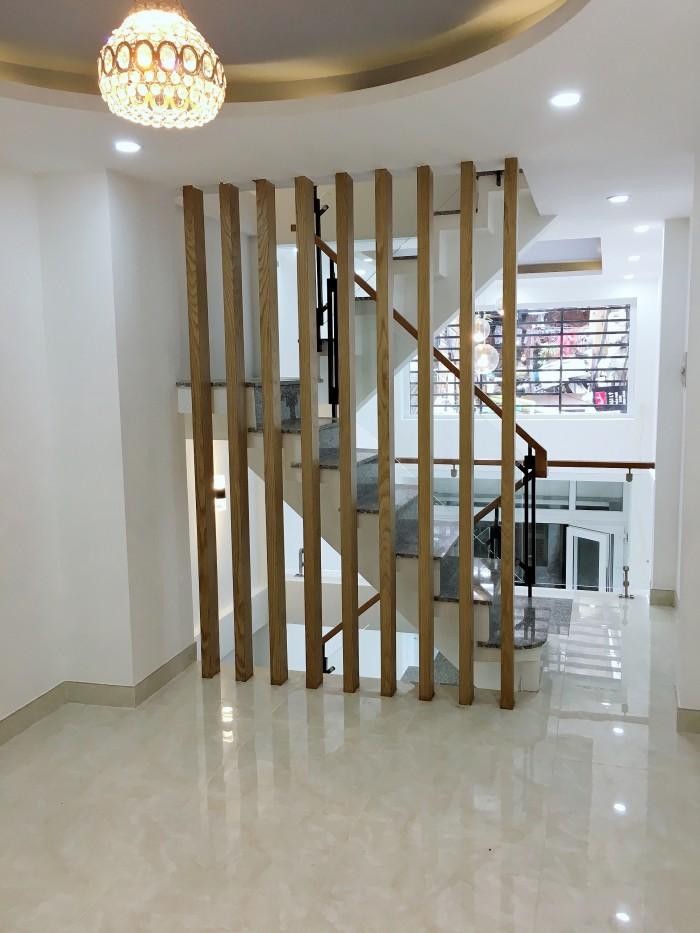Bán nhà Nguyễn Thiện Thuật Q3, 5 tầng, 4PN, nhà đẹp ở luôn, HXH, Diện tích 3x10, HXH, cách mặt phố 30m.