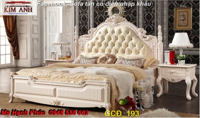 giường ngủ cổ điển màu trắng Bình dương4