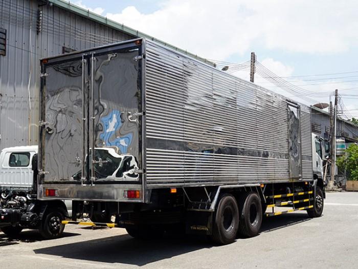 Xe tải isuzu 15 tấn thùng kín inox -  Trả trước 200 triệu,giao xe ngay - Gọi 0978015468 (Mr Giang 24/24)