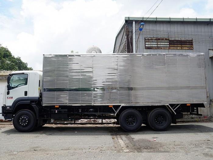 Mua xe tải isuzu 15 tấn thùng kín inox trả góp lãi suất thấp -Trả trước 200 triệu,giao xe ngay - Gọi 0978015468 (Mr Giang 24/24)