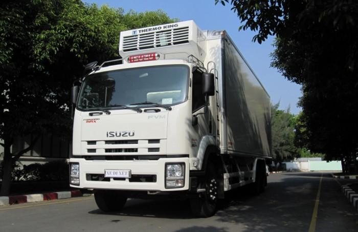 Xe tải isuzu 15 tấn thùng đông lạnh - Trả trước 200 triệu giao luôn xe - Gọi 0978015468 (Mr Giang 24/24)