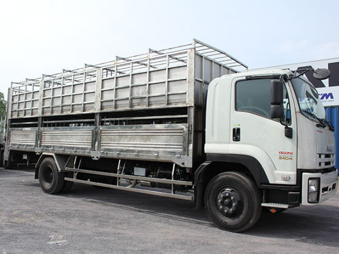 Mua xe tải isuzu 8t2 chở heo - Trả trước 200 triệu giao luôn xe - Gọi 0978015468 (Mr Giang 24/24)