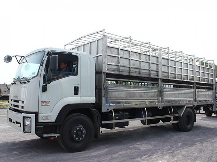 Bán xe tải isuzu 8t2 chở heo - Trả trước 200 triệu giao luôn xe - Gọi 0978015468 (Mr Giang 24/24)