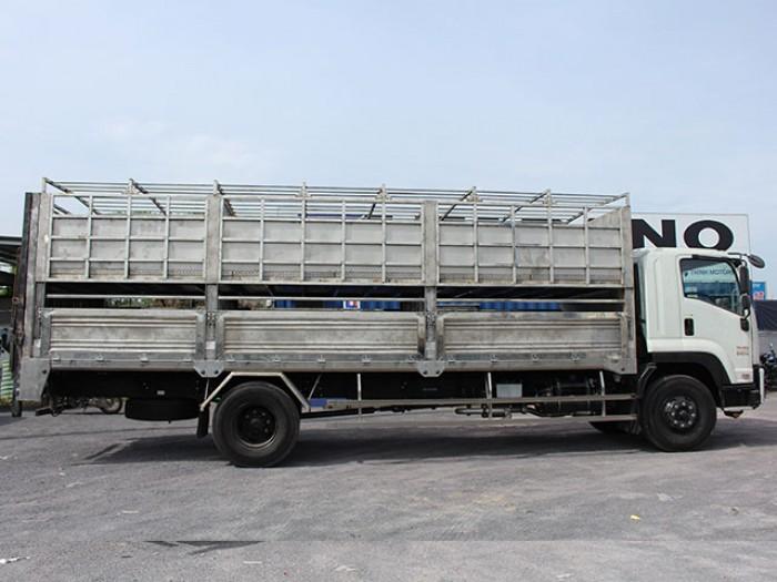 Khuyến mãi mua xe tải isuzu 8t2 chở heo - Trả trước 200 triệu giao luôn xe - Gọi 0978015468 (Mr Giang 24/24)