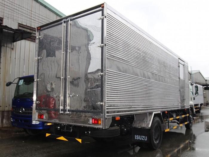 Giá xe tải isuzu 8t2 thùng kín inox - Trả trước 200 triệu - Gọi 0978015468 (Mr Giang 24/24)