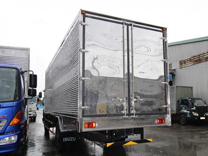 Khuyến mãi mua xe tải isuzu 8t2 thùng kín inox - Trả trước 200 triệu - Gọi 0978015468 (Mr Giang 24/24)