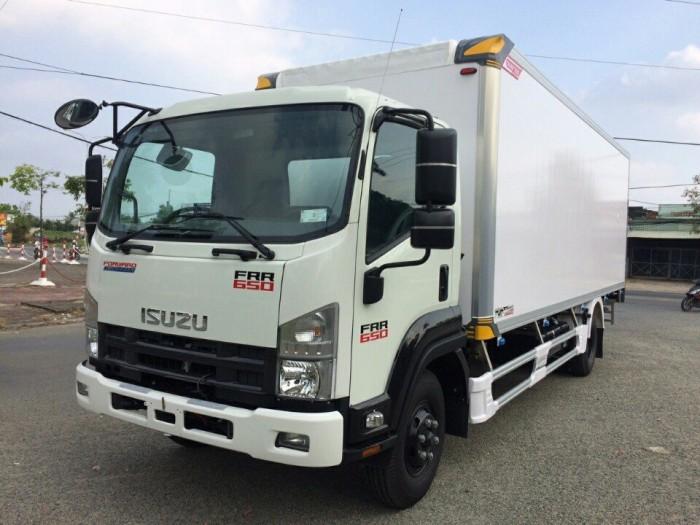 Xe tải isuzu 6t2 thùng đông lạnh - Trả trước 100 triệu giao luôn xe - Gọi 0978015468 (Mr Giang 2424/)