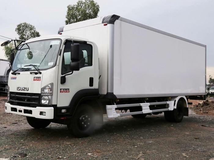 Mua xe tải isuzu 6t2 thùng đông lạnh - Trả trước 100 triệu giao luôn xe - Gọi 0978015468 (Mr Giang 2424/)