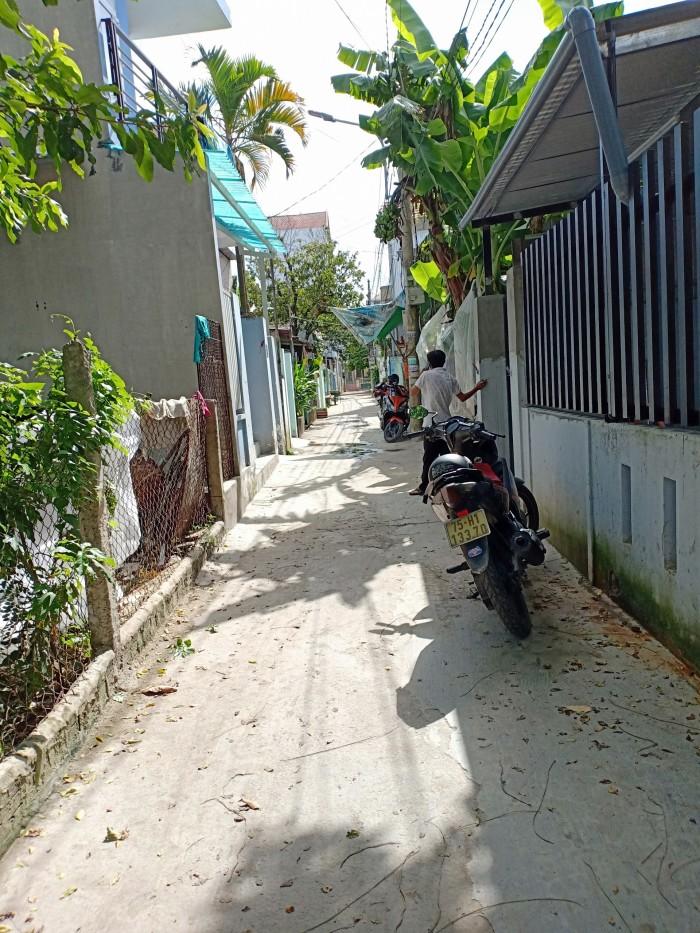 Đất vuông vắn đường Nguyễn Chí Thanh - phường Phú Hậu - Tp Huế, hướng Đông Bắc, dt100m2