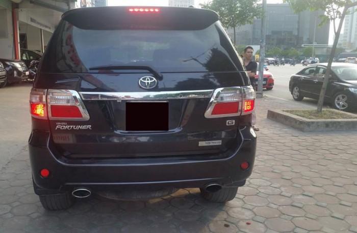 Bán xe Toyota  Fortuner đời 2010 số sàn máy dầu, màu đen bóng loáng 0