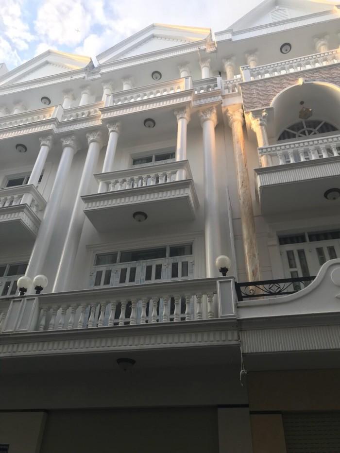 Bán nhà đường Hoàng Quốc Việt, quận 7, Tp.HCM Diện tích 50m2, 2 lầu, sân thượng 4PN