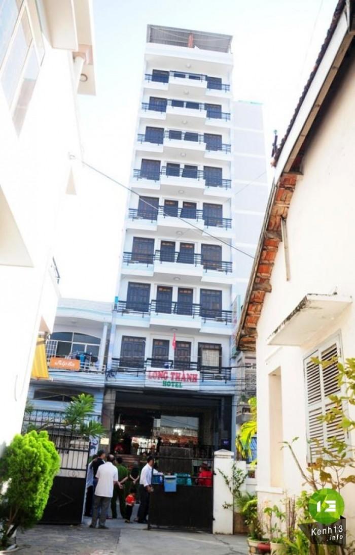 Bán Khách sạn 12 tầng hơn 200m2 sổ đỏ riêng phố Cổ Hà Nội