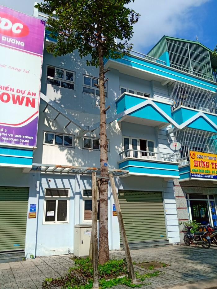 10 Căn Nhà Trong Khu Phố Thương Mại Uni-Town