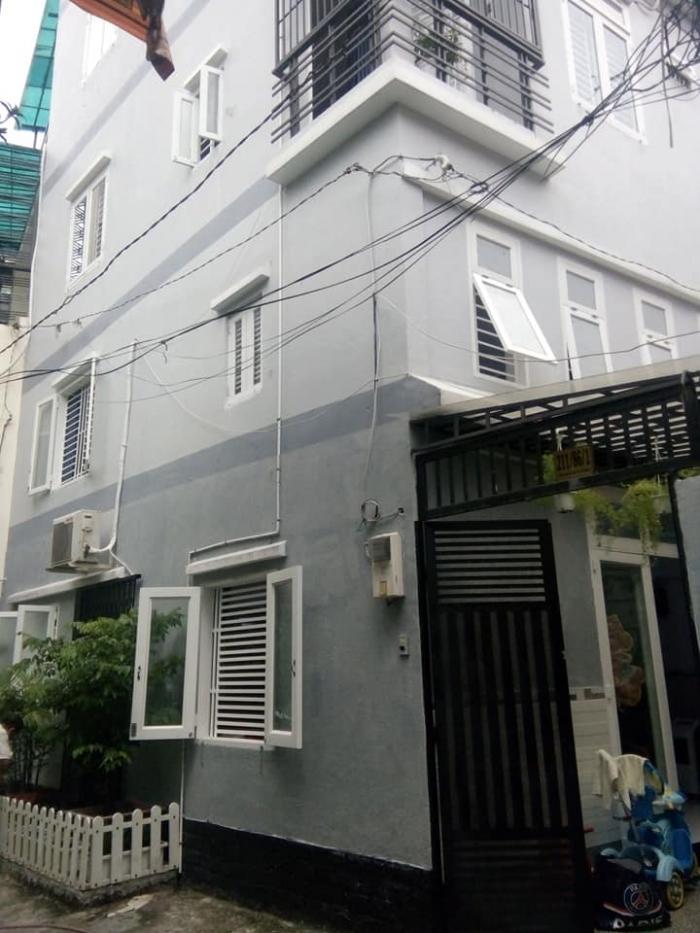 Nhà sêu vip Phú Nhuận 40m2, 5 tầng khu vực ăn chơi băc nhất