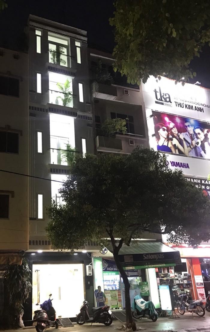 MT Hoàng Hoa Thám. 3.6x9. 4 Lầu.