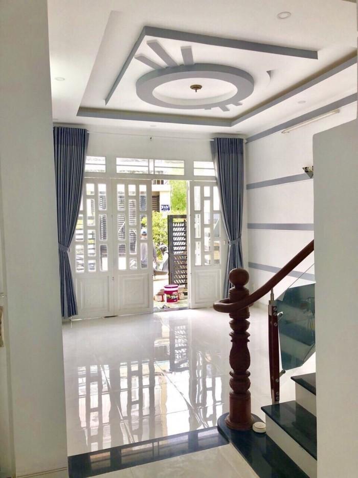 Nhà bán đường Huỳnh Tấn Phát, Nhà Bè, Nhà thiết kế rất đẹp, sang trọng, DT 4.3m x 12.5m 2 lầu 4PN