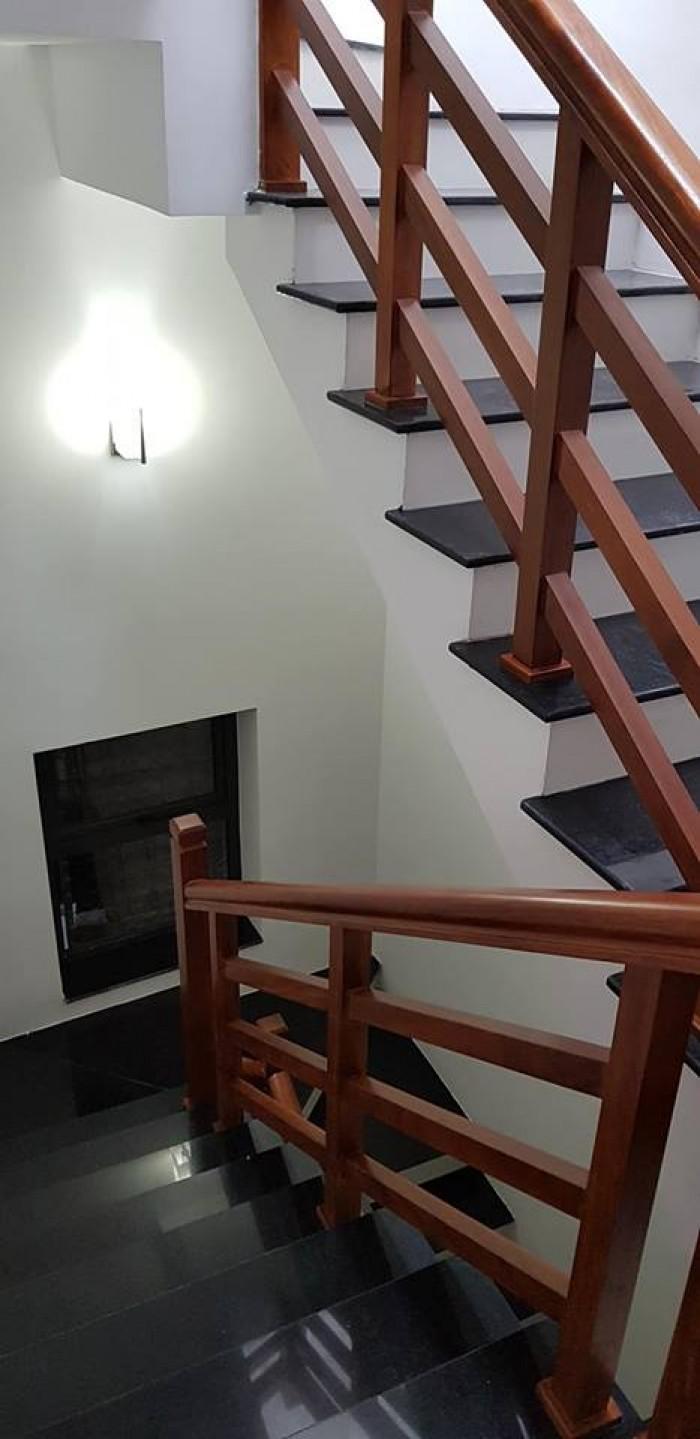 Bán nhà Tô Vĩnh Diện 48m2, 5 tầng, MT 5m nhà đẹp ở luôn 2 mặt thoáng.