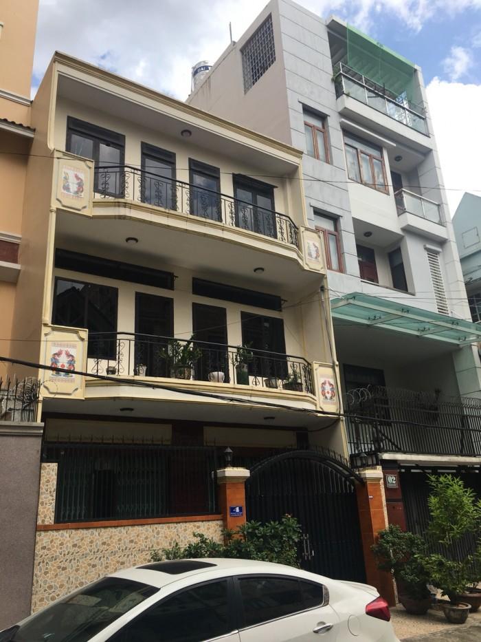 Bán gấp nhà 1 trệt  2 lầu, Đình Phong Phú, sau lưng chợ