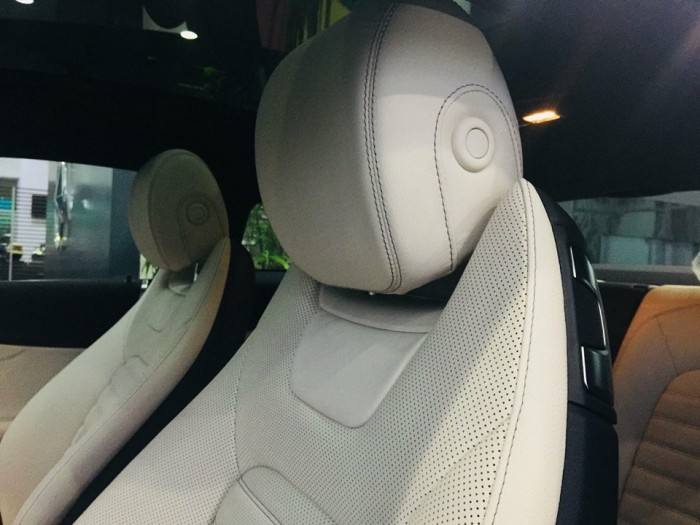 Mercedes-Benz C300 - COUPE Chính hãng 0