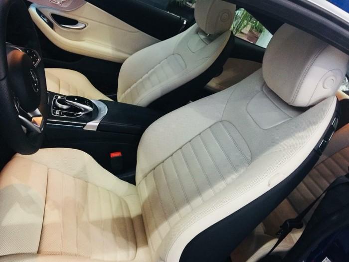 Mercedes-Benz C300 - COUPE Chính hãng 1
