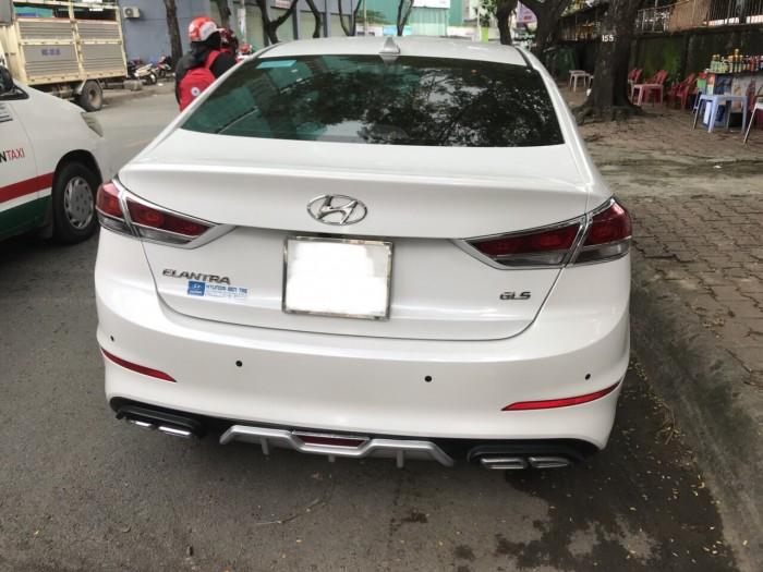 Hyundai Elantra sản xuất năm 2018 Số tự động Động cơ Xăng