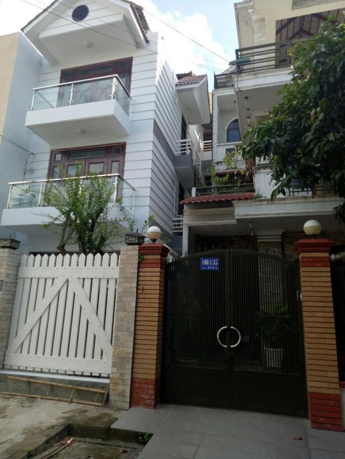 Bán gấp căn nhà đẹp mặt tiền đường Hoàng Phan Thái, cách Chợ Bình Chánh 200m, SHR, giá cực rẻ