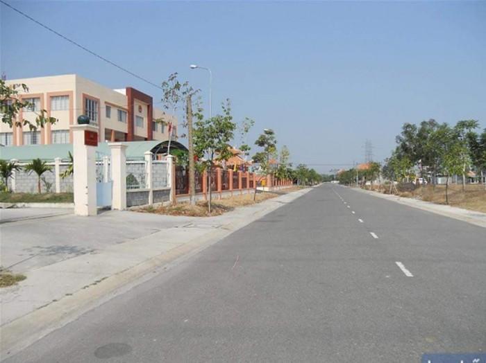 Đất KCN, mặt tiền QL50, 350tr- 5x20m, trung tâm thị trấn Cần Giuộc