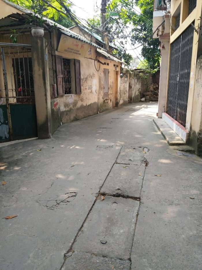Bán nhà riêng Phố Phương Mai, DT 30,2m, mặt tiền 4,2m, ngõ rộng 4m.