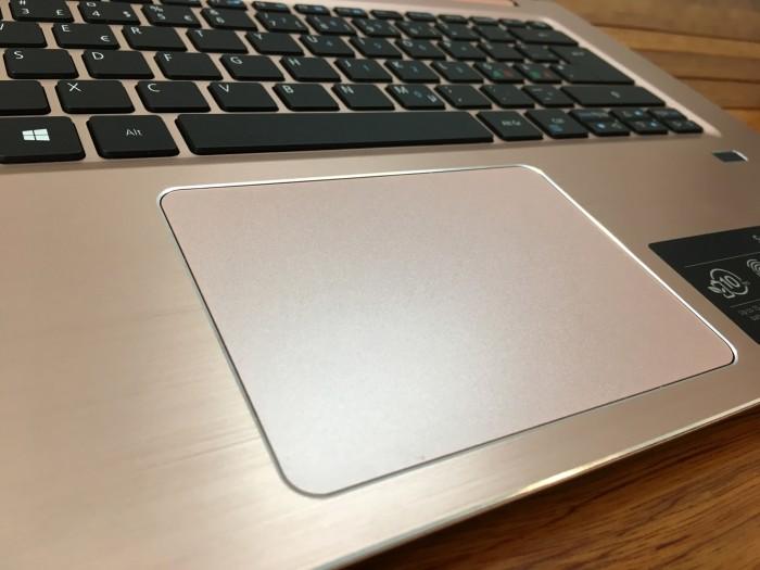 Acer Swift SF314 Core i3 7130u Ram 4 SSD 256 1.6Kg8
