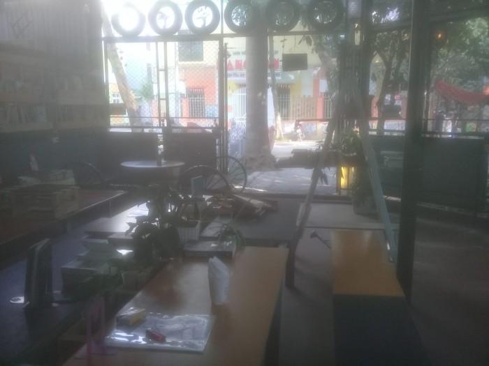 Sang nhượng quán cà phê DT 80 m2 hai mặt tiền (12 m & 6 m) Khu đô thị Văn Quán Q.Hà Đông HN