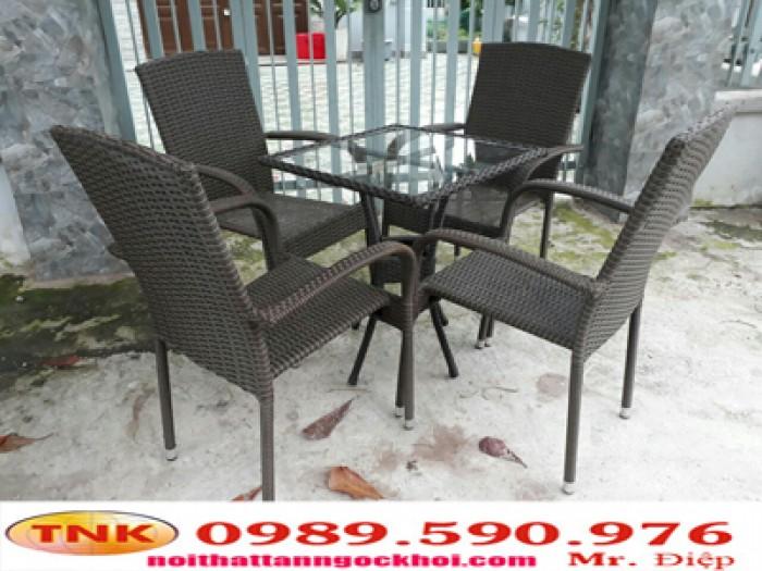 Bàn ghế cà phê thanh lý giá rẻ.