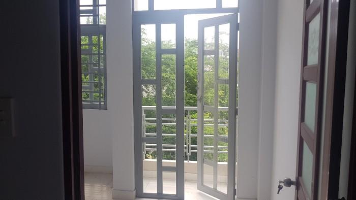 Nhà mới xây, dọn vào ở ngay, 3 tấm đúc kiên cố, ngay chợ Bình Thành.