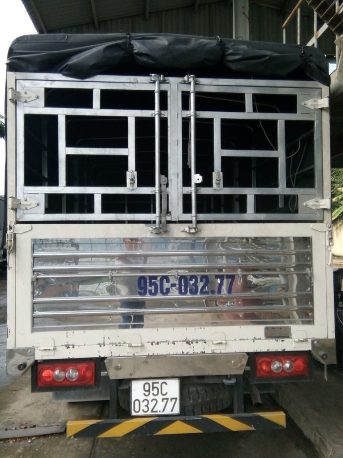 cần bán xe IZ49 ĐÔ THÀNH 2.4 TẤN 2017