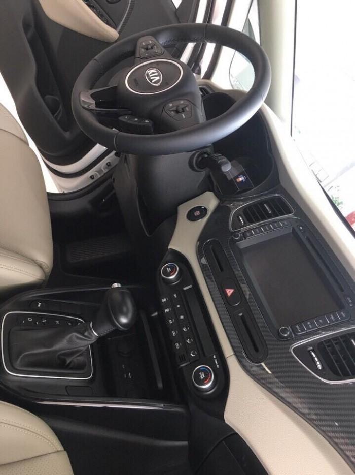KIA RONDO F/L vừa ra mắt 4 phiên bản nâng cấp option và động cơ toàn diện 15