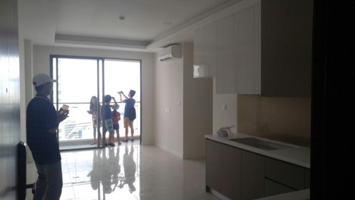 Cần bán gấp căn hộ hoàn thiện ở Millennium, 2 phòng ngủ, giá 4,2 tỷ bao hết thuế phí