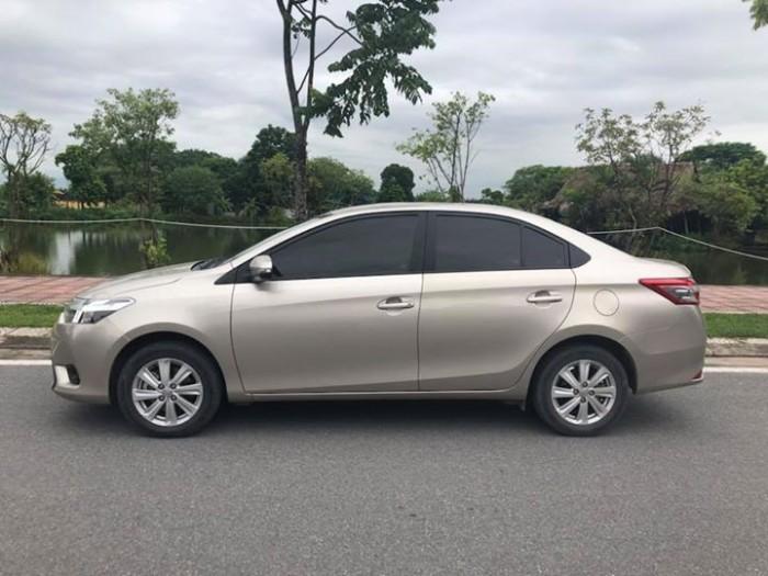 Bán Toyota Vios E 2017 vàng cát số sàn ít đi. 2