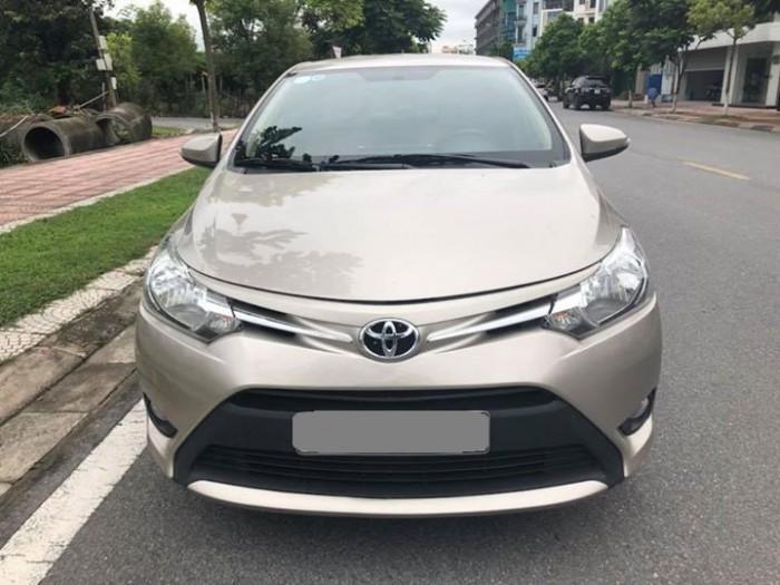 Bán Toyota Vios E 2017 vàng cát số sàn ít đi.