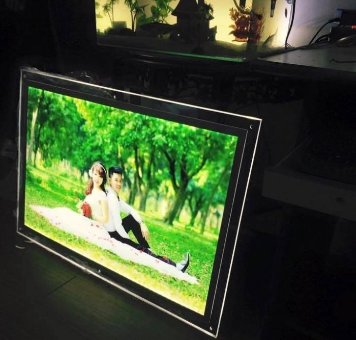 Nhận cung cấp các loại khung tranh, khung mica, khung poster với giá rẻ tại Hà nội0