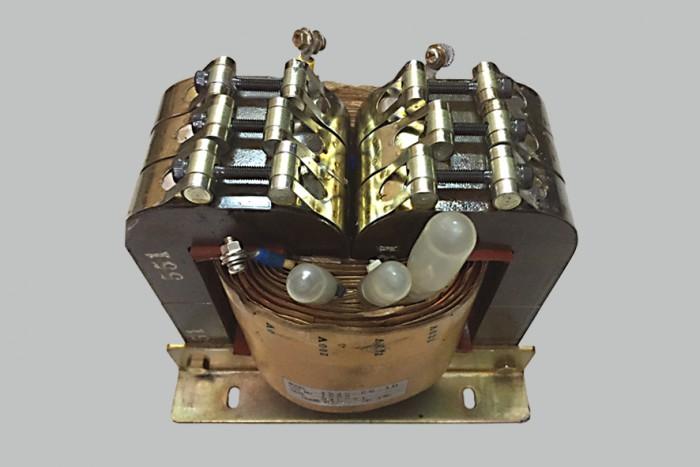BACL DOUBLE C Core CRANE –ANH (England), 1 KVA, điện vào 220v, điện ra 100v, giá 3.500.000đ.0