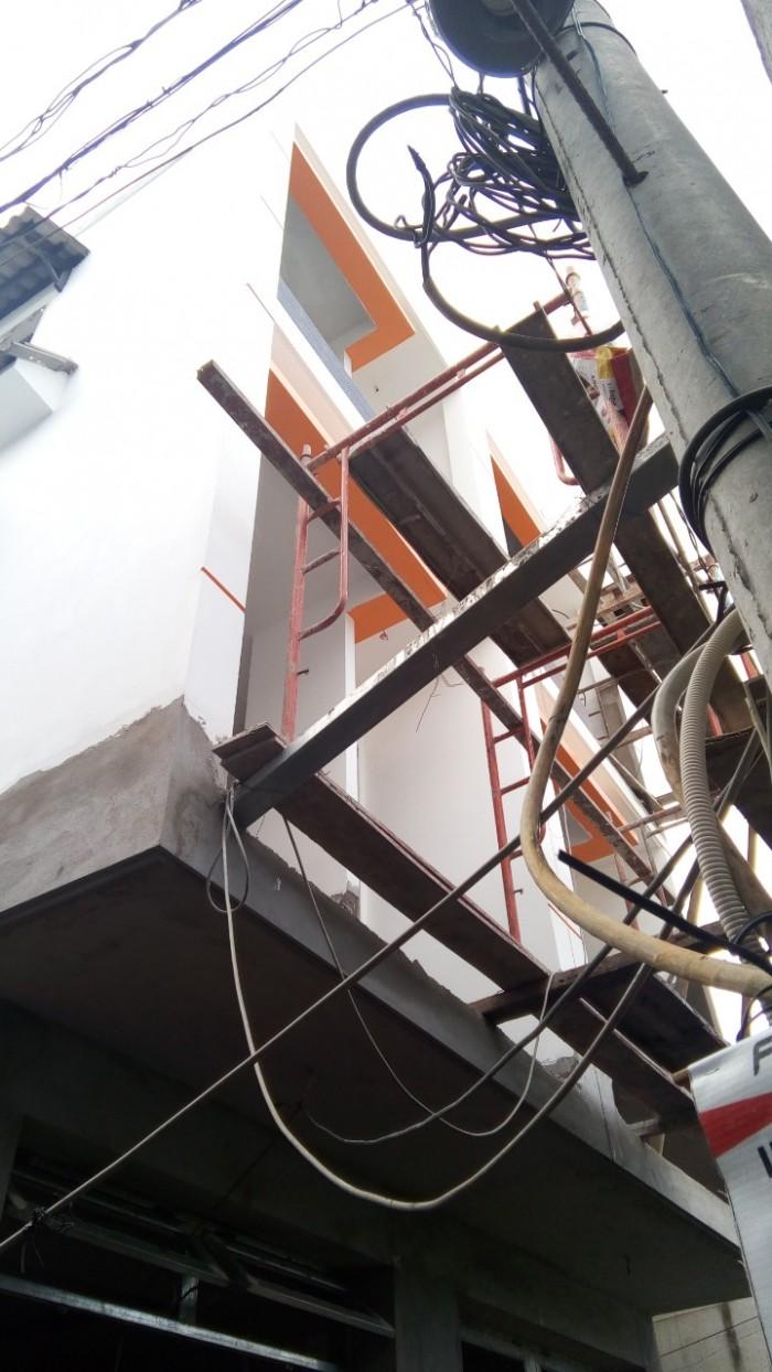 Nhà trệt 3 lầu, đường 138. P. Tân Phú.