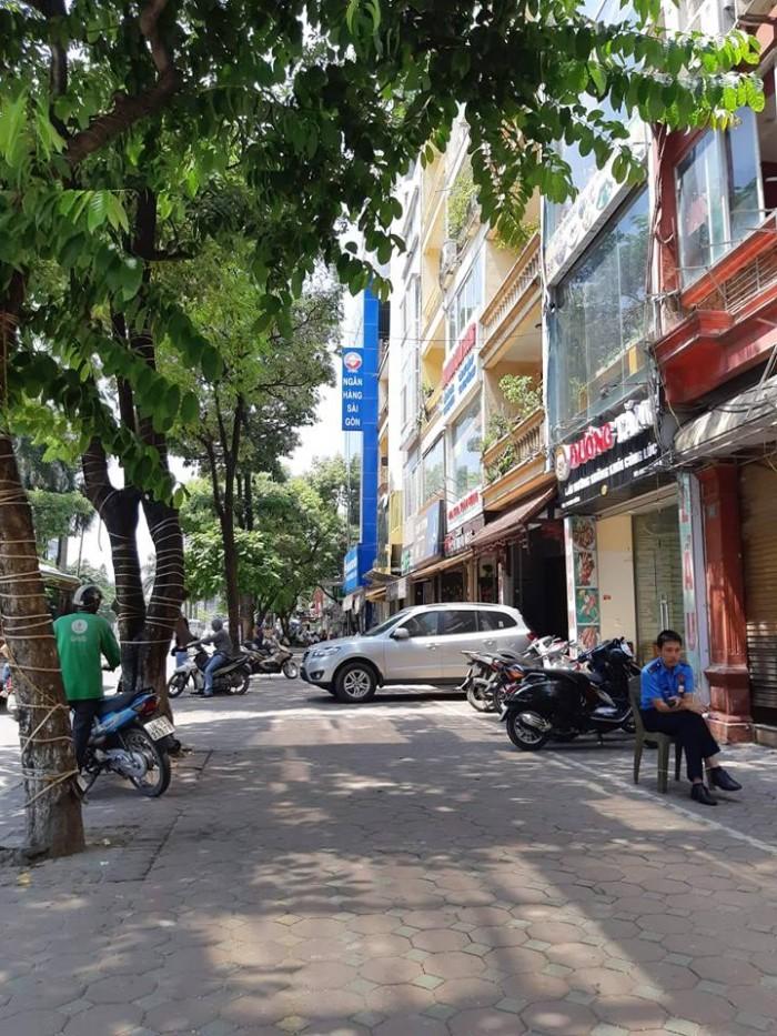 Bán gấp nhà lô góc kinh doanh khủng phố Hào Nam 48m2, 4tầng, Mt 6,5m