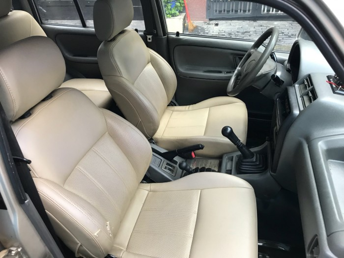 Cần bán xe Suzuki Vitara 2004 màu vàng kim 5 chỗ zin cực chất