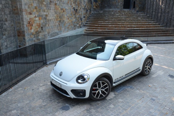 Bán xe Volkswagen Beetle Dune mới, nhập khẩu nguyên chiếc, xe giao ngay, hỗ trợ vay 80%