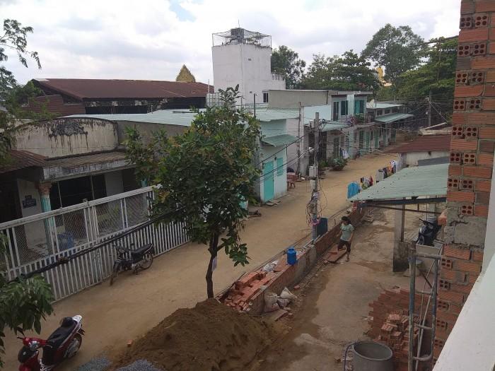 Bán nhà hẻm 2, đường 120 cạnh Suối Tiên.