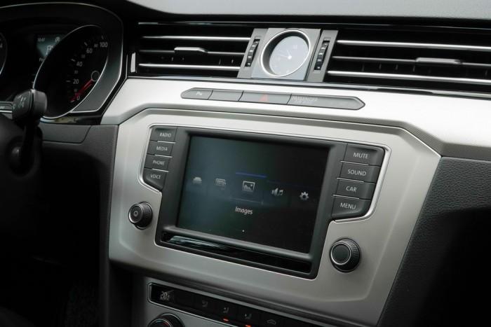 Bán xe Volkswagen Passat Bluemotion 1.8L TSI mới, nhập khẩu nguyên chiếc, hỗ trợ vay 80% 6